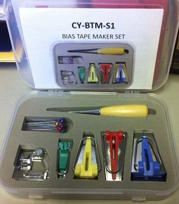 Accessory set Bias tape maker with case.